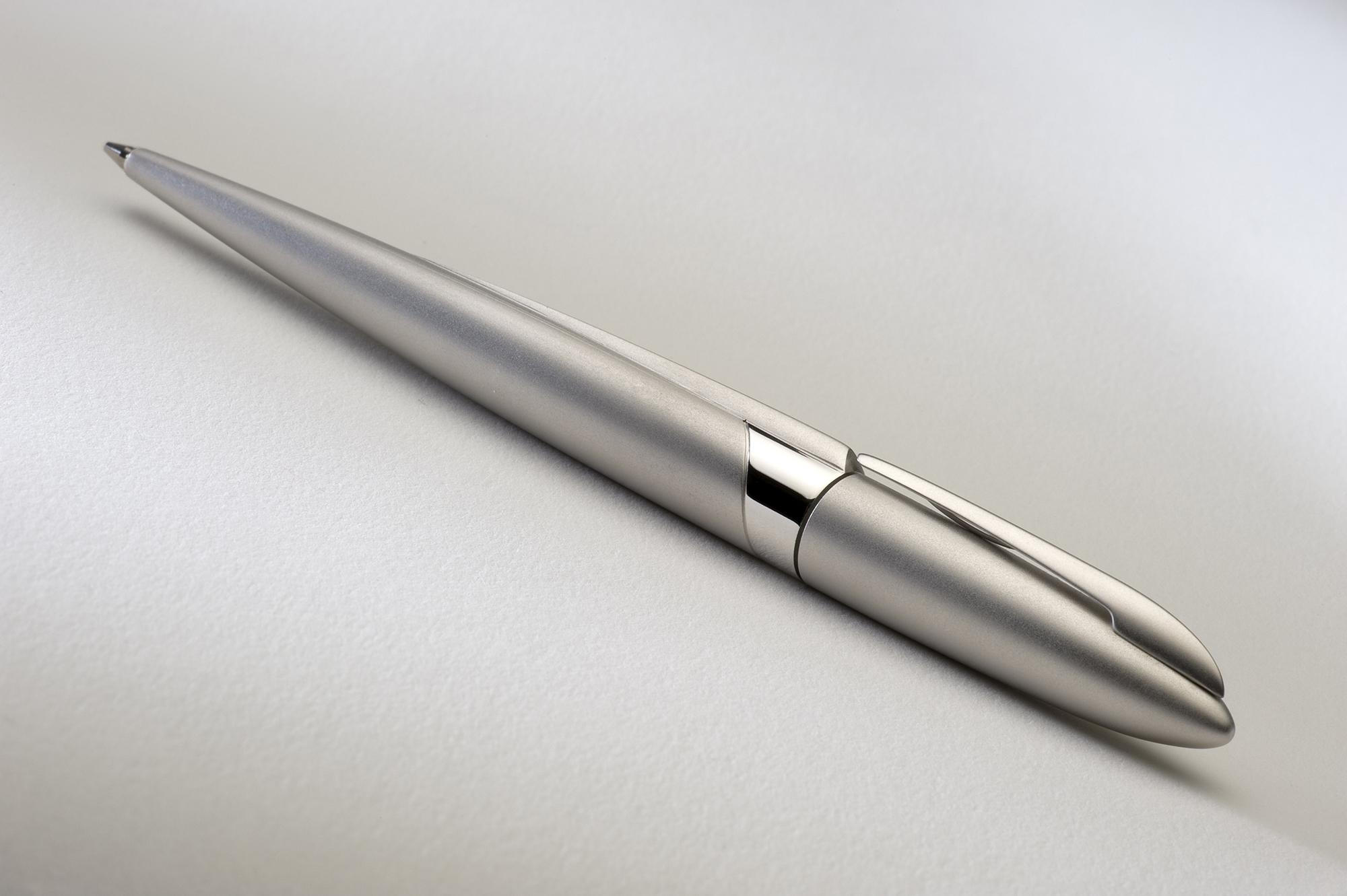 ADATTE DESIGN – stylos004