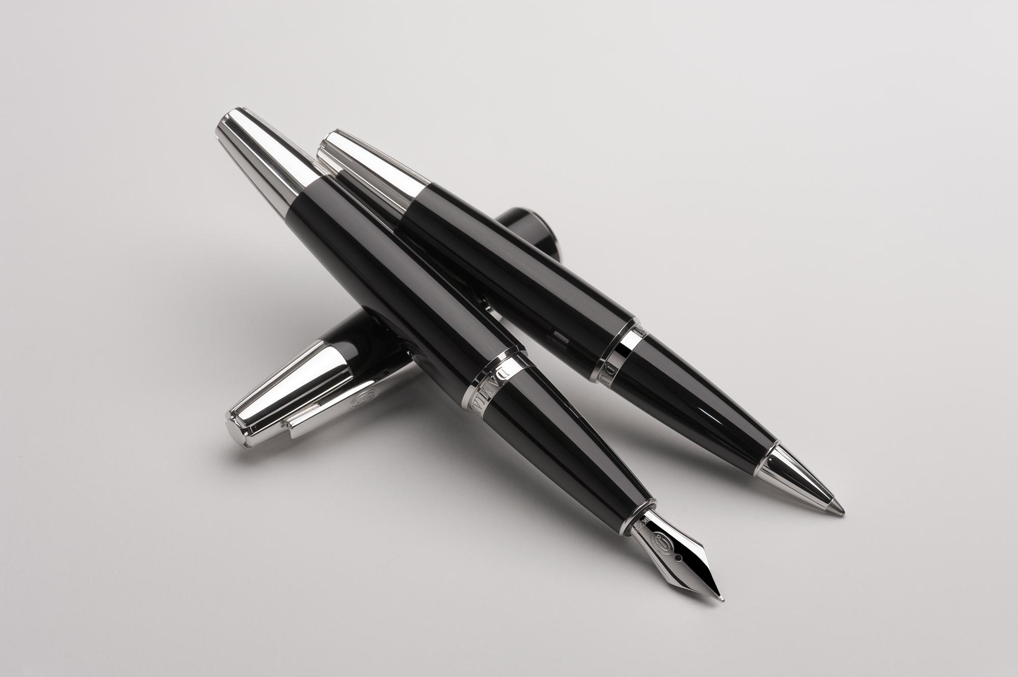 ADATTE DESIGN – stylos001