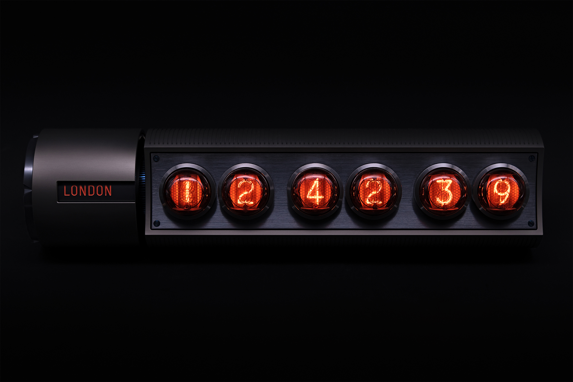 55-Nixie-Time-Zone-Clock-V2—in-the-dark